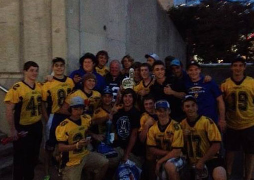 Toronto Mayor Rob Ford posses with the Sabercats