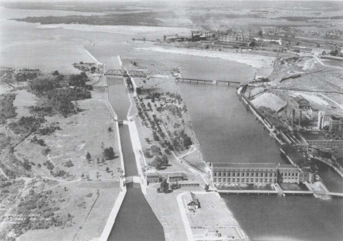 SSM Canal Stores Building - aerial view historic