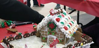 Gingerbread House Festive Face-Off
