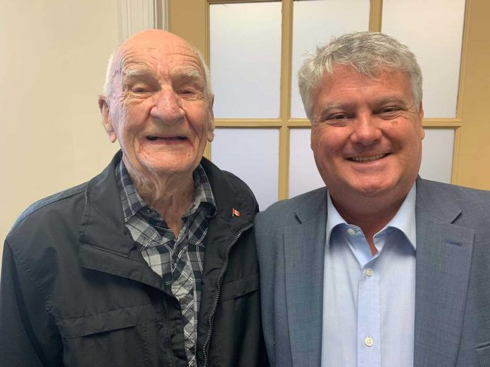 MP Terry Sheehan with D-Day tail gunner Dick Brown